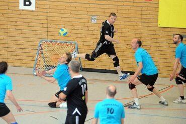 Das Team des Trimm Club Essen (blaue Trikots) nimmt an der ersten Saison der Landesliga NRW teil. Foto: Susann Fromm