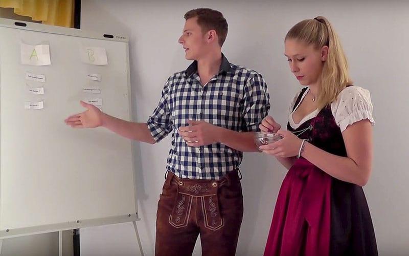 Nina und Anton losten die Gruppen für die DM 2015 aus. (Screenshot aus dem Video des TSV Zorneding)